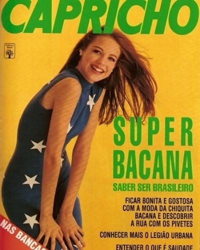 """A atriz Luana Piovani foi capa da revista """"Capricho"""" e usou um vestido com as estrelas da bandeira do Brasil"""
