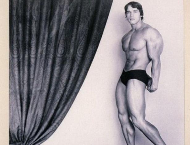 Ator e ex-governador da Califórnia, Arnold Schwarzenegger posou muito para revistas sobre fisiculturismo