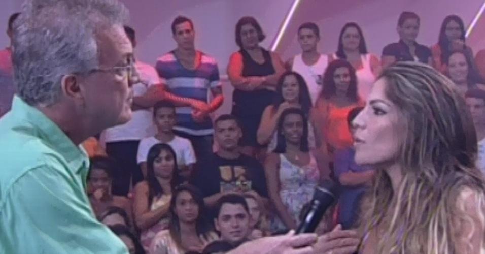 5.mar.2013 - Anamara diz a Pedro Bial que ficou feliz por ter se livrado de Fernanda e Kamilla