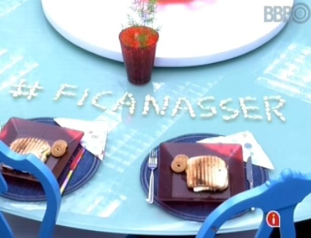 5.mar.2013 - Andressa escreve #ficanasser com cereais