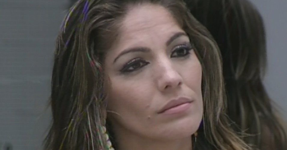 5.mar.2013 - Com 48% dos votos, Anamara é a nona eliminada do