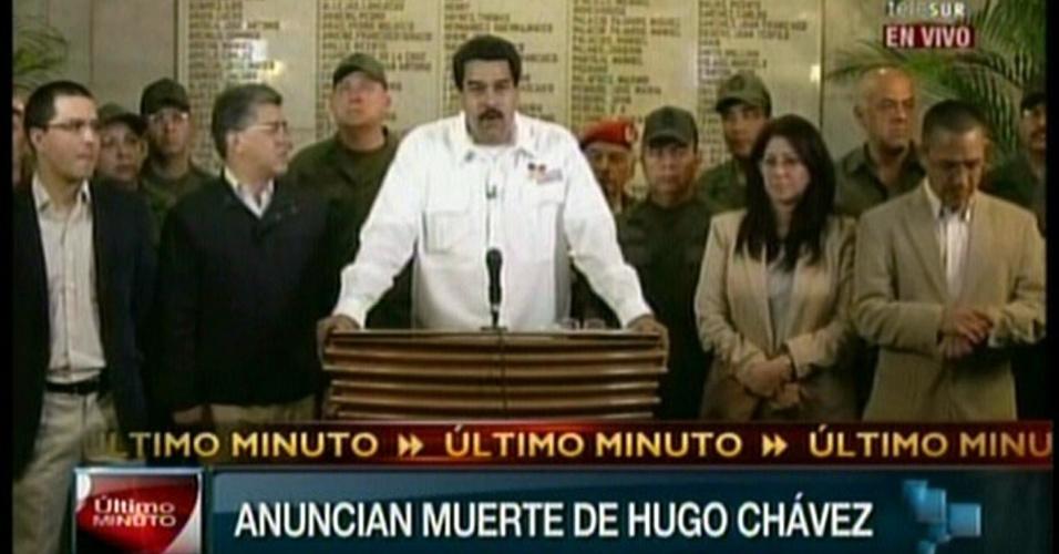 5.mar.2013 - O vice-presidente da Venezuela Nicolás Maduro anunciou nesta terça-feira (5), em pronunciamento nacional na TV, a morte do presidente Hugo Chávez, vítima de um câncer na região pélvica com o qual convivia há um ano e meio