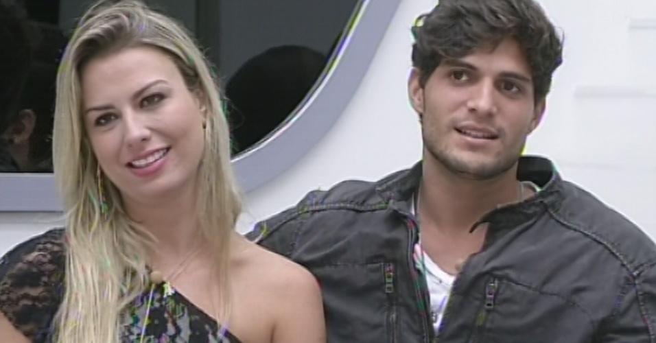 5.mar.2013 - Questionado por Pedro Bial, André diz que amadureceu no confinamento.