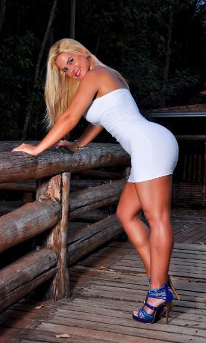 Manuela Pesoti quer representar o Atlético-PR no Belas da Torcida 2013