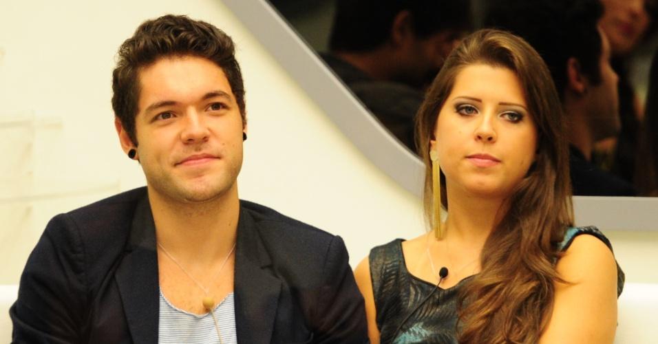 """5.mar.2013 - Nasser e Andressa aguardam resultado da nona eliminação do """"BBB13"""""""