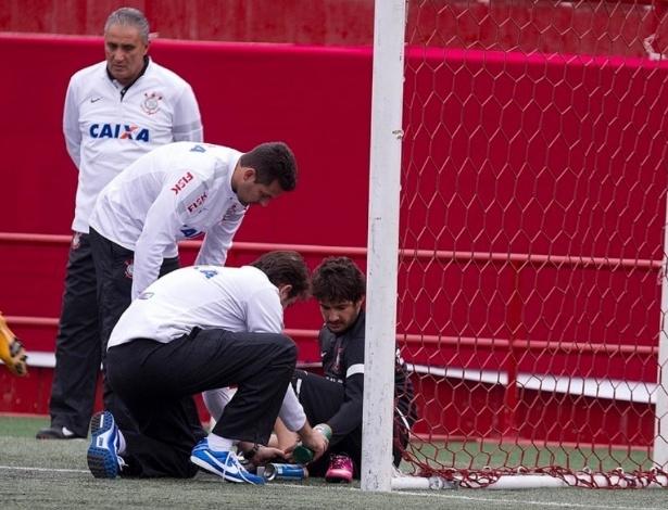 Pato deu susto na comissão técnica ao acusar dores após movimento brusco no treino de terça