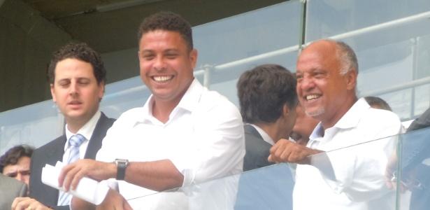 "Ronaldo (ao centro) disse que técnico do Manchester United o desrespeitou ao chamá-lo de ""gordo"""