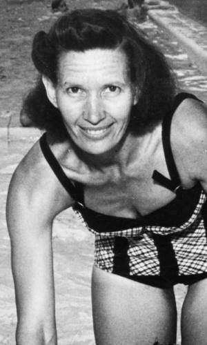 - Maria Lenk - primeira brasileira a participar de uma Olimpíada e principal nadadora da história do país. Foi a única a única mulher brasileira a entrar para o Hall da Fama da modalidade. No ano de 1939, durante a preparação para os Jogos Olímpicos de Tóquio, quebrou dois recordes mundiais individuais, nos 200m e 400m peito, tornando-se a primeira e única brasileira a alcançar o feito.