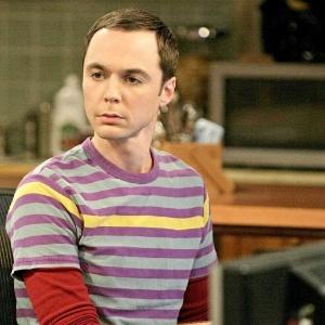 """O ator Jim Parsons interpreta o personagem Sheldon Cooper na série """"The Big Bang Theory"""""""