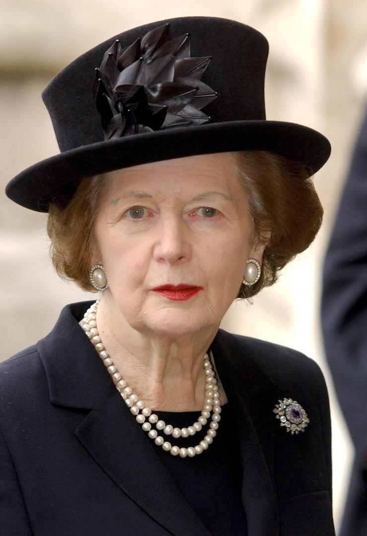 7.mar.2013 - A britânica Margaret Thatcher foi a primeira-ministra do Reio Unido entre 1979 a 1990. Nascida em Lincolnshire, na Inglaterra Thatcher estudou ciências químicas na Universidade de Oxford antes de se qualificar como barrister. Nas eleições gerais de 1959 no Reino Unido ela foi eleita parlamentar pela região de Finchley. Edward Heath nomeou Thatcher secretária do Departamento de Educação e Habilidades em seu governo de 1970. Em 1975 ela foi eleita líder do Partido Conservador, sendo a primeira mulher a liderar um dos principais partidos do Reino Unido
