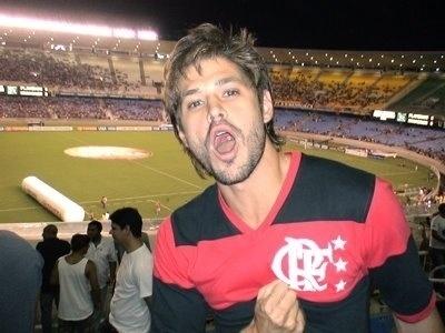 Dado Dolabella com a camisa do Flamengo