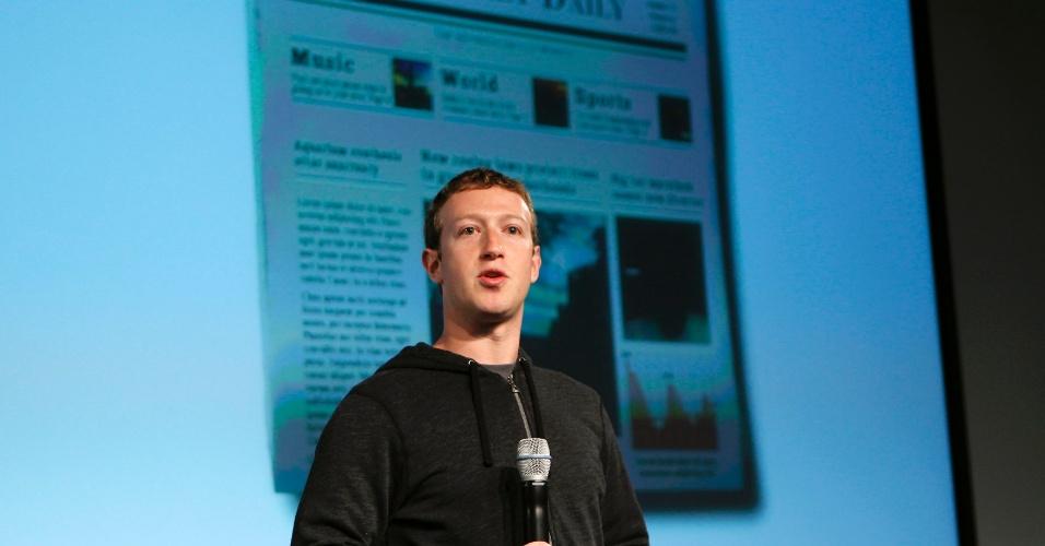 Mark Zuckerberg, diretor-executivo do Facebook, apresenta o novo feed de notícias