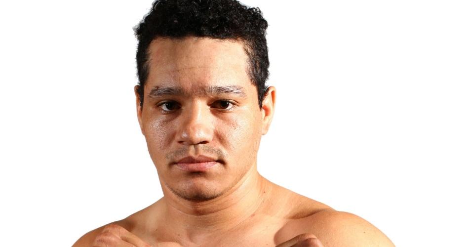 Wande Lopes Santana, tem 30 anos, 1,78 m e 88 kg. Nascido em Campo Grande (MS), está invicto com seis vitórias