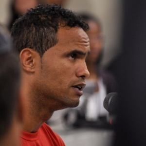 O goleiro Bruno depõe durante sessão julgamento no Tribunal de Justiça de Contagem, em Minas Gerais