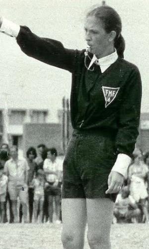 Asaléa de Campos - primeira mulher árbitro de futebol reconhecida no mundo. Ela cursou oito meses a escola de árbitros da Federação Mineira de Futebol, em 1967. Mas foi só em 1971 que o diploma dela foi reconhecido pela FIFA.