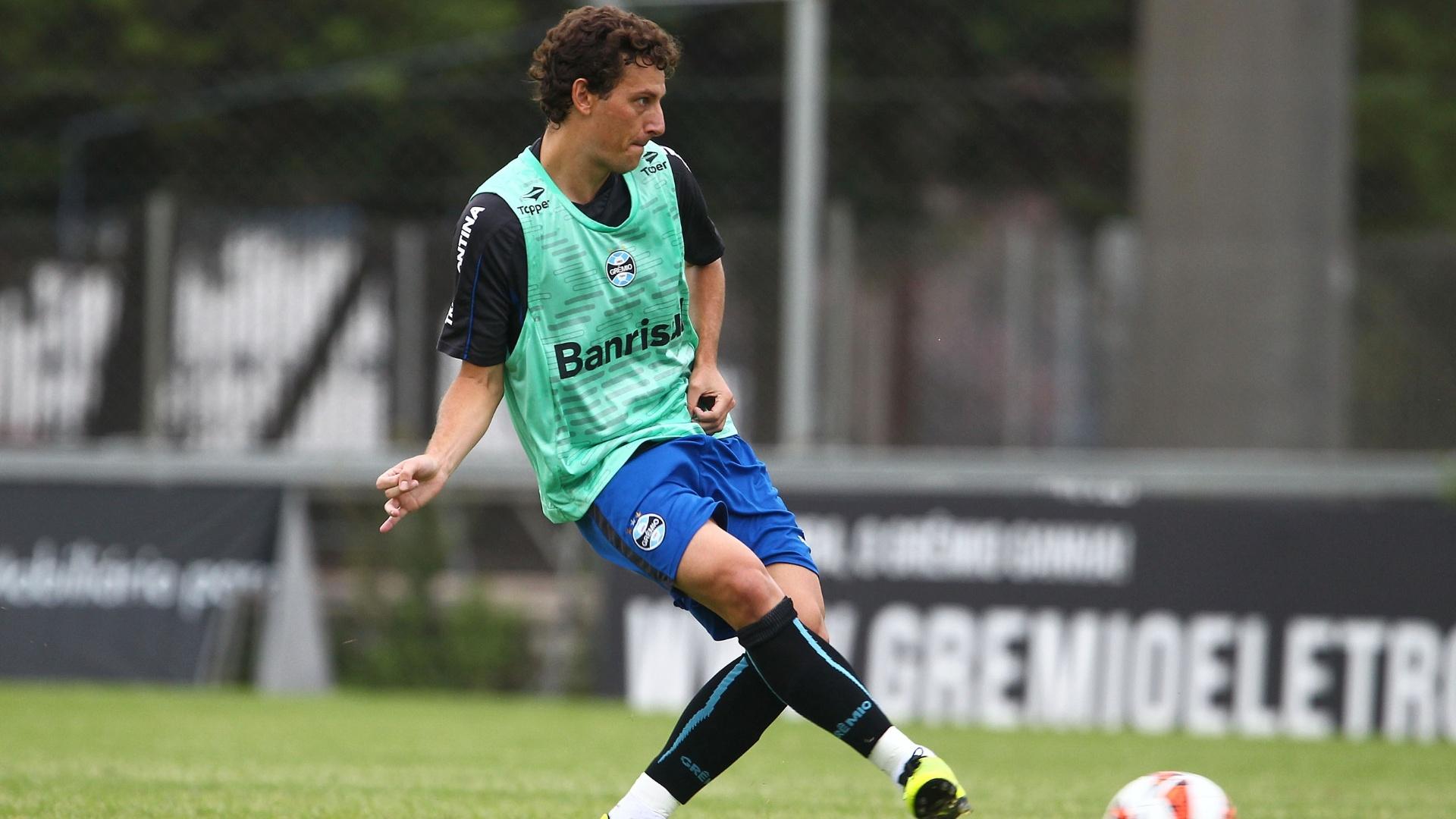 Elano participa de treinamento do Grêmio nesta sexta-feira (08/03/2013)