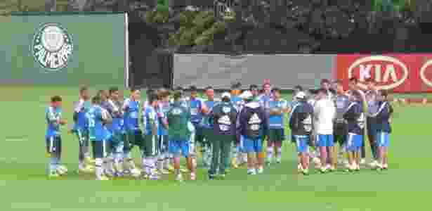 Gilson Kleina reuniu o elenco do Palmeiras em treino na Academia de Futebol - João Henrique Marques (UOL Esporte)