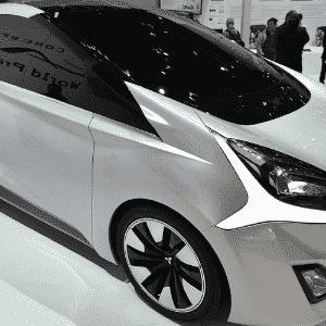 Mitsubishi CA-MiEV Diesel Hybrid Concept - Martial Trezzini/EFE