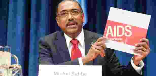 O diretor do programa das Nações Unidas de combate à aids, Michel Sidibé, apresenta relatório sobre a situacão da doença no mundo - Eskinder Debebe/UN Photo