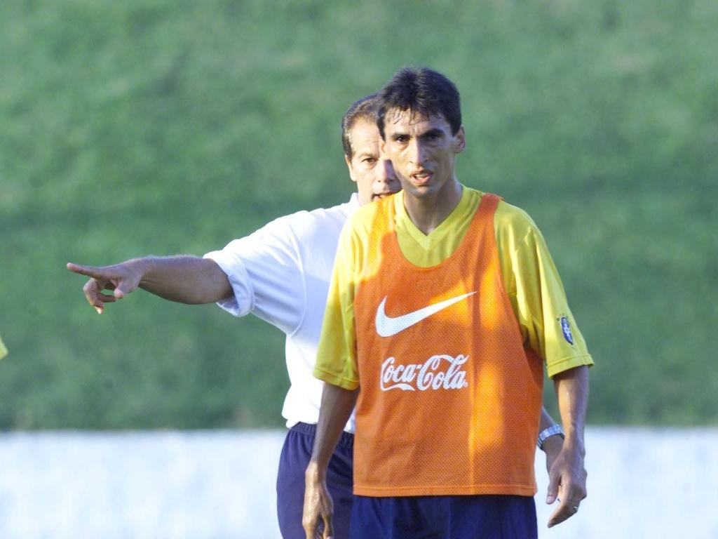 Volante Leomar foi convocado por Emerson Leão para a seleção brasileira em 2001