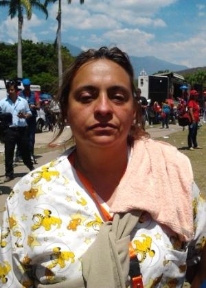 """Kehisber Diaz, 46, enfermeira do hospital onde Chávez morreu, se junta a milhares de venezuelanos em longa fila para se despedir do """"comandante"""" - Carlos Iavelberg/UOL"""