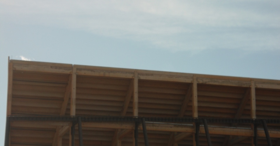 09.mar.2013 - As obras da Arena Pantanal começaram em maio de 2010: foi o primeiro dos 12 estádios da Copa de 2014 a começar a ser construído e será um dos últimos a ser entregue