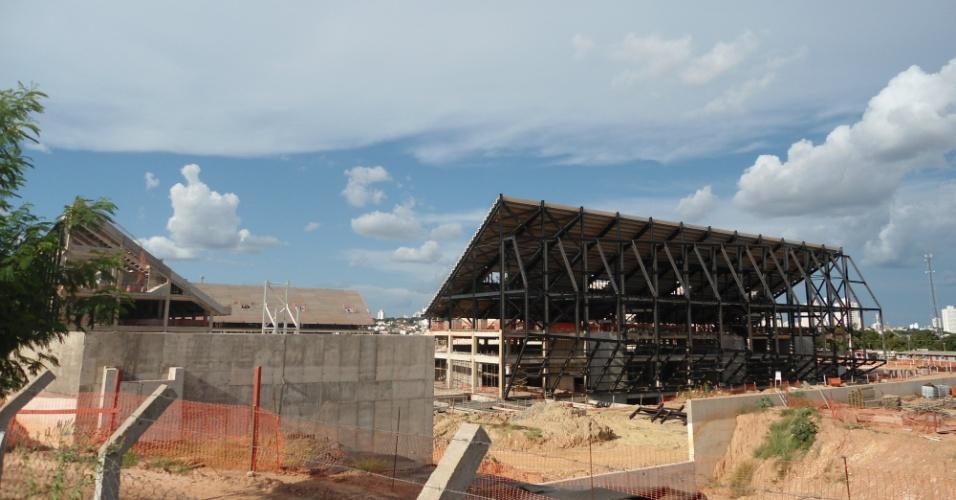 09.mar.2013 - O custo da Arena Pantanal já cresceu 51%: o orçamento passou de R$ 342 milhões para R$ 519 milhões
