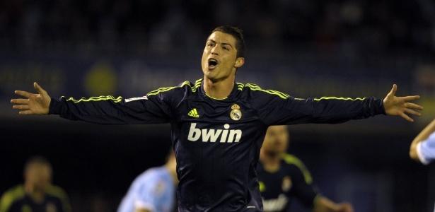 Cristiano Ronaldo festeja um dos seus dois gols pelo Real Madrid diante do Celta