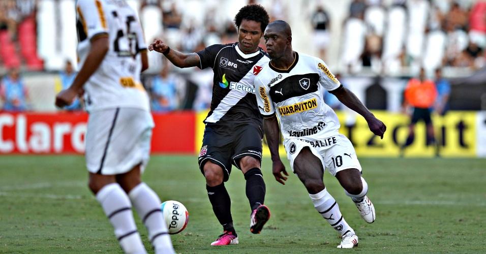 Seedorf e Carlos Alberto dividem as atenções no duelo entre Botafogo e Vasco