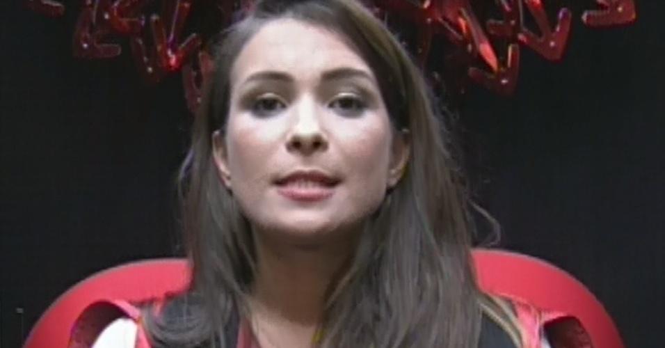 """10.mar.2013 - No décimo paredão do """"BBB13"""", Kamilla indica Andressa, afirmando que a paranaense é a sua única opção"""