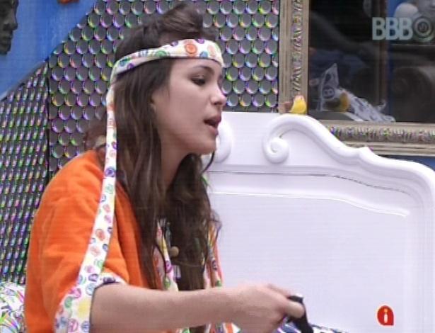 11.mar.2013 - Kamilla diz para André e Fernanda que está com medo de sair, pois acredita que Andressa e Nasser têm força fora da casa