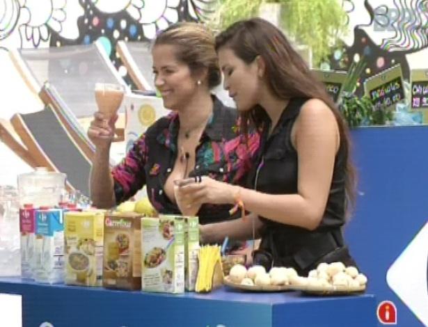 11.mar.2013 - Kamilla e Fani fazem compras e aproveitam para degustar as comidas. Kamilla não se conteve e comeu mais de 10 pães de queijo