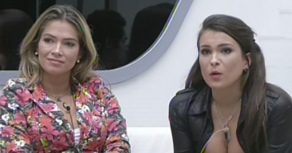 """11.mar.2013 - Última acusadora a ser sorteada, Kamilla tem de acusar Fernanda e diz que sister não a escuta. Ela ainda pôde dar o poder do """"não"""" a alguém e escolheu André"""