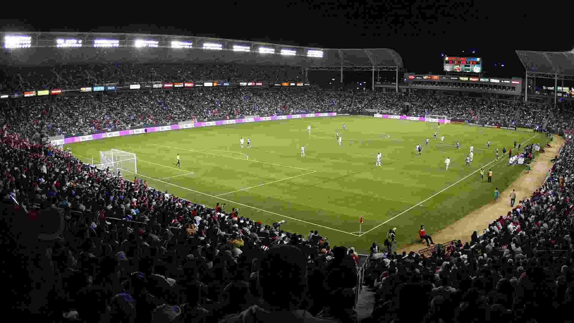 Home Depot Center, do Los Angeles Galaxy e do Chivas USA. Construído 100% com dinheiro da iniciativa privada, comporta 27 mil torcedores. - Divulgação/MLS