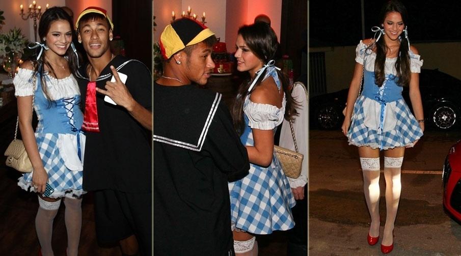 11.mar.2013 - Bruna Marquezine e Neymar vão a festa à fantasia que comemora os 30 anos do cantor Thiaguinho, em São Paulo