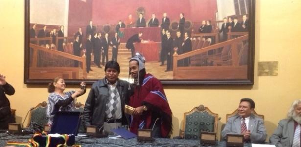 Ronaldinho é homenageado em solenidade na Assembleia Legislativa de La Paz - Reprodução/Site oficial Atlético-MG