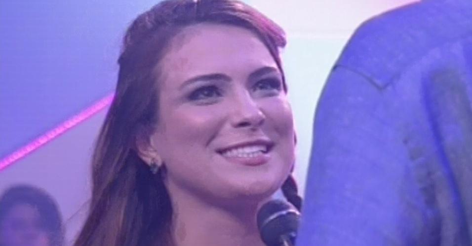 12.mar.2013 - Kamilla é entrevistada por Pedro Bial e diz que agora quer conquistar o mundo: