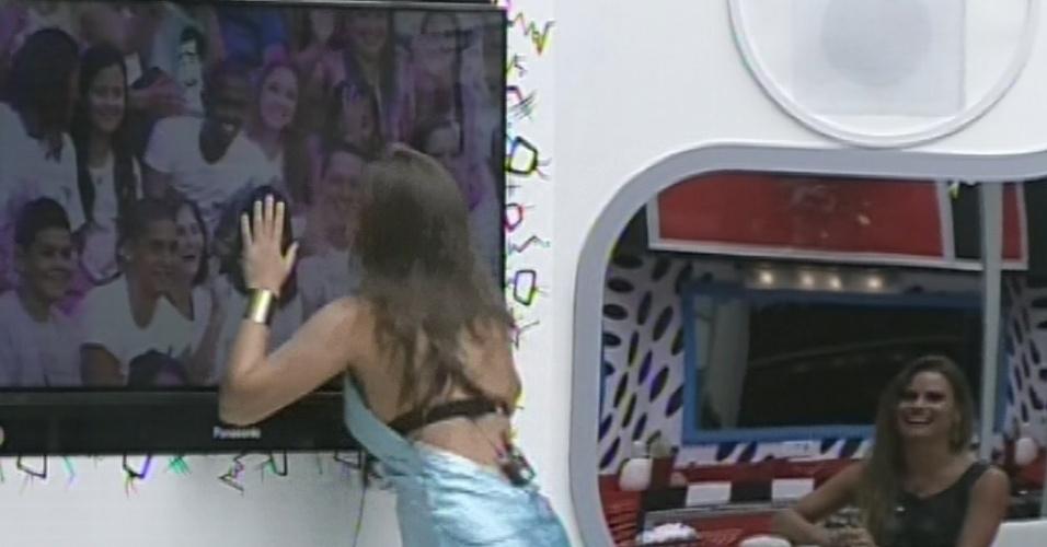"""12.mar.2013 - Pela primeira vez no paredão, Andressa vê a família na décima eliminação do """"BBB13"""""""