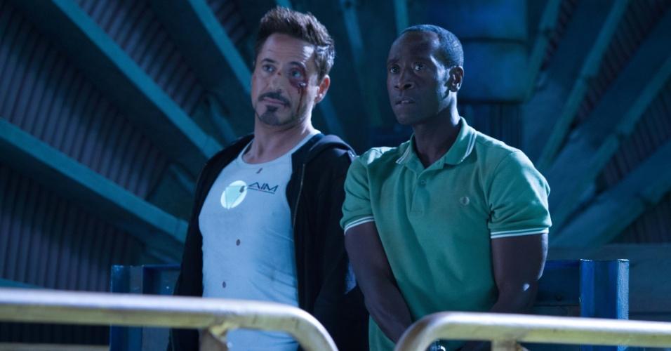 Robert Downey Jr. e Don Cheadle em cena do filme