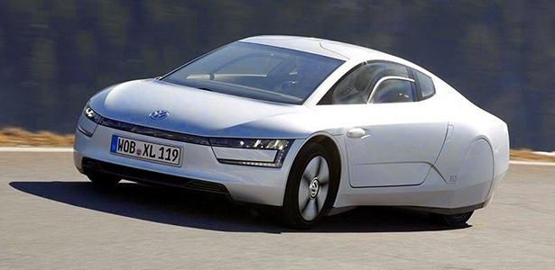 Volks XL1, de 75 cv,  surpreende pelo contraste entre a silenciosa tração elétrica e o ruidoso motor a diesel - Divulgação