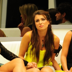 Kamilla Salgado não gostou das declarações de Eliéser sobre seu comportamento