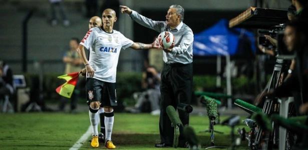 Fábio Santos e Tite trabalharam juntos no Corinthians e também na seleção brasileira
