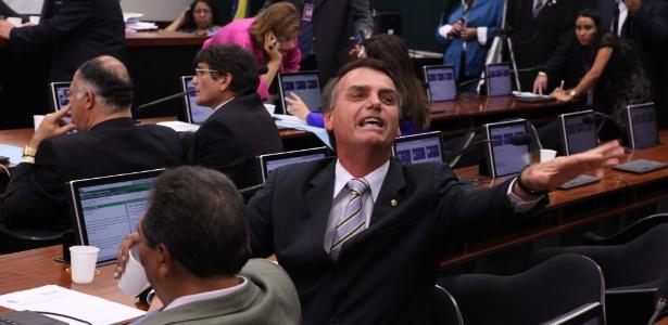 """No Facebook, Jair Bolsonaro desafia Jô Soares e o chama de """"embusteiro"""""""