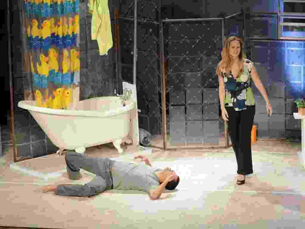 """13.mar.2013 - Fernanda Rodrigues e Marcius Melhem apresentaram o espetáculo """"Enfim, nós"""" em um teatro no centro do Rio - Foto Rio News"""