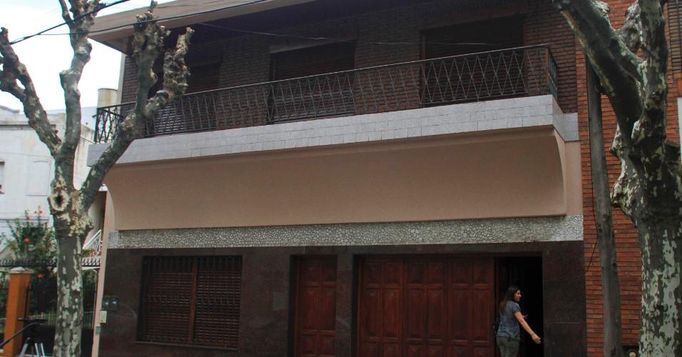13.mar.2013 - Jorge Mario Bergoglio morou até os 20 anos nesta casa no bairro de Flores, em Buenos Aires, na Argentina. Primeiro latino-americano a assumir a liderança da Igreja Católica, Bergoglio adotou o nome Francisco para seu pontificado