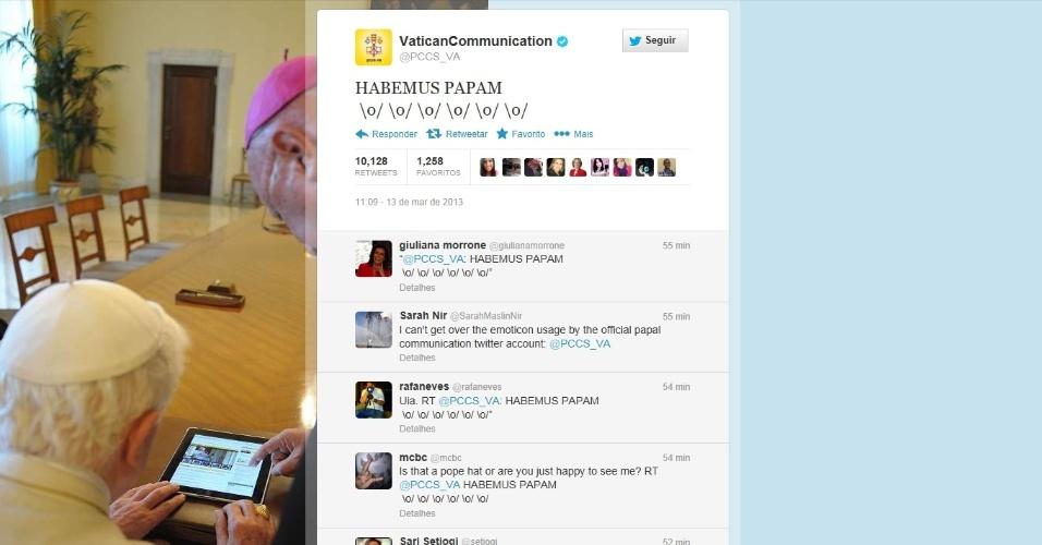 13.mar.2013 - Página do Vaticano do twitter anuncia a escolha do novo papa que será o sucessor do papa emérito Bento 16
