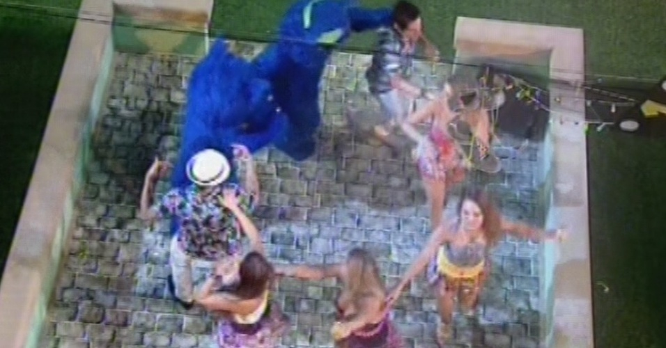 """13.mar.2013 - Brothers dançam com os gatos ao som de """"Taj Mahal"""", de Jorge Ben Jor"""