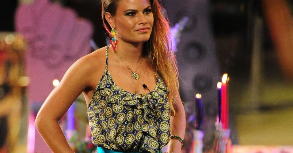6.mar.2013 - Natália exibiu um dos figurinos mais elogiados da noite
