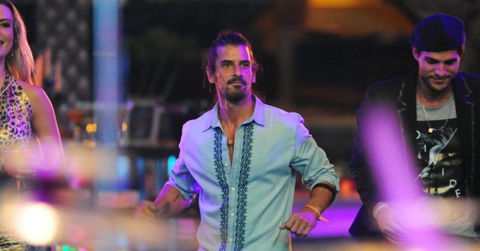 """9.mar.2013 - Parte da brincadeira """"Parece, mas não é"""", o argentino Miguel se passou por um integrante do """"Gran Hermano"""""""