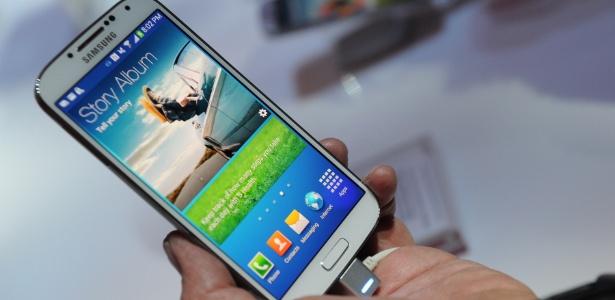 Galaxy S4 ficará mais barato com a estreia do Galaxy S5 no Brasil; aparelho vai custar R$ 1.999